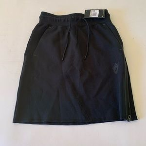 Nike black slim fit short skirt size XS